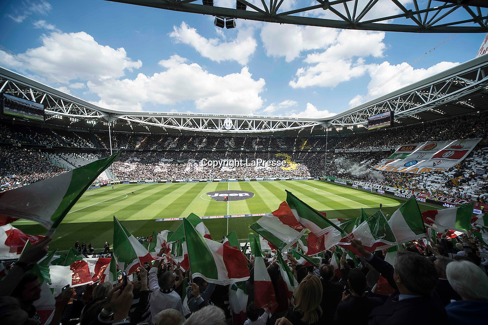 Foto Daniele Montigiani / LaPresse<br /> 18 05 2014 Torino (Italia)<br /> Sport Calcio<br /> Juventus - Cagliari<br /> Campionato italiano di calcio Serie A Tim 2013 2014<br /> Nella foto: Coreografia Stadio<br /> <br /> Photo Daniele Montigiani / LaPresse<br /> 18 05 2014 Torino (Italy)<br /> Sport Soccer<br /> Juventus - Cagliari<br /> Italian Football Championship League A Tim 2013 2014<br /> In the picture: choreography Stadium