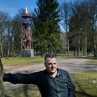 Nederland. Brunssum. 10 april 2015.<br /> Beheerder Arno Schutte wandelend in het Schutterspark, dat een opknapbeurt zal ondergaan. Foto: Jean-Pierre Jans