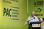 Belo Horizonte _ MG, 17 de Abril de 2008..Visita do presidente Lula nas obras do PAC (Plano de Aceleracao do Crescimento) na Vila Sao Jose, regiao Nordeste de Belo Horizonte....Foto: VICTOR SCHWANER / AGENCIA NITRO