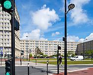 Le Havre. Avenue Foch, cette magnifique avenue comparable par ses dimensions aux Champs Elys&eacute;es &agrave; Paris, relie la Place de l'H&ocirc;tel de Ville &agrave; la Porte Oc&eacute;ane et &agrave; la plage du Havre.  /<br /> Le Havre. Avenue Foch, this magnificent comparable in dimensions to the Champs Elysees avenue in Paris, links the Place de l'Hotel de Ville in the Ocean Gate and the beach of Le Havre.