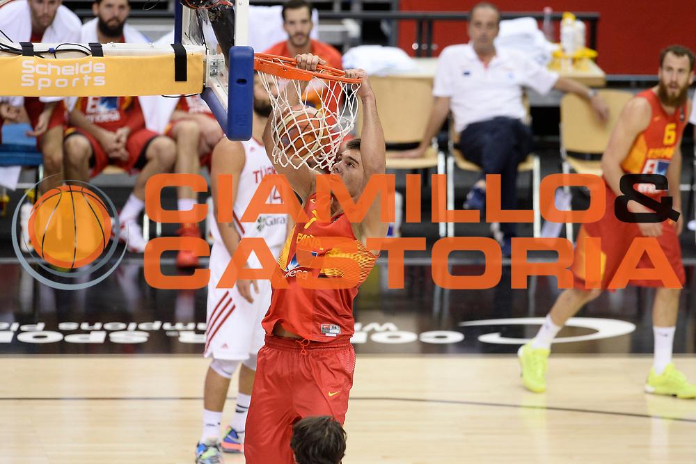 DESCRIZIONE: Berlino EuroBasket 2015 - <br /> Turkey Spain<br /> GIOCATORE: Guillermo Hernangomez<br /> CATEGORIA: Schiacciata<br /> SQUADRA: Spain<br /> EVENTO: EuroBasket 2015 <br /> GARA: Berlino EuroBasket 2015 - Turkey vs Spain<br /> DATA: 06-09-2015 <br /> SPORT: Pallacanestro <br /> AUTORE: Agenzia Ciamillo-Castoria/I.Mancini <br /> GALLERIA: FIP Nazionali 2015 FOTONOTIZIA: Berlino EuroBasket 2015 - Turkey vs Spain