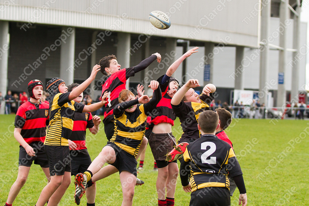 Ennis and Young Munster jump for a line out