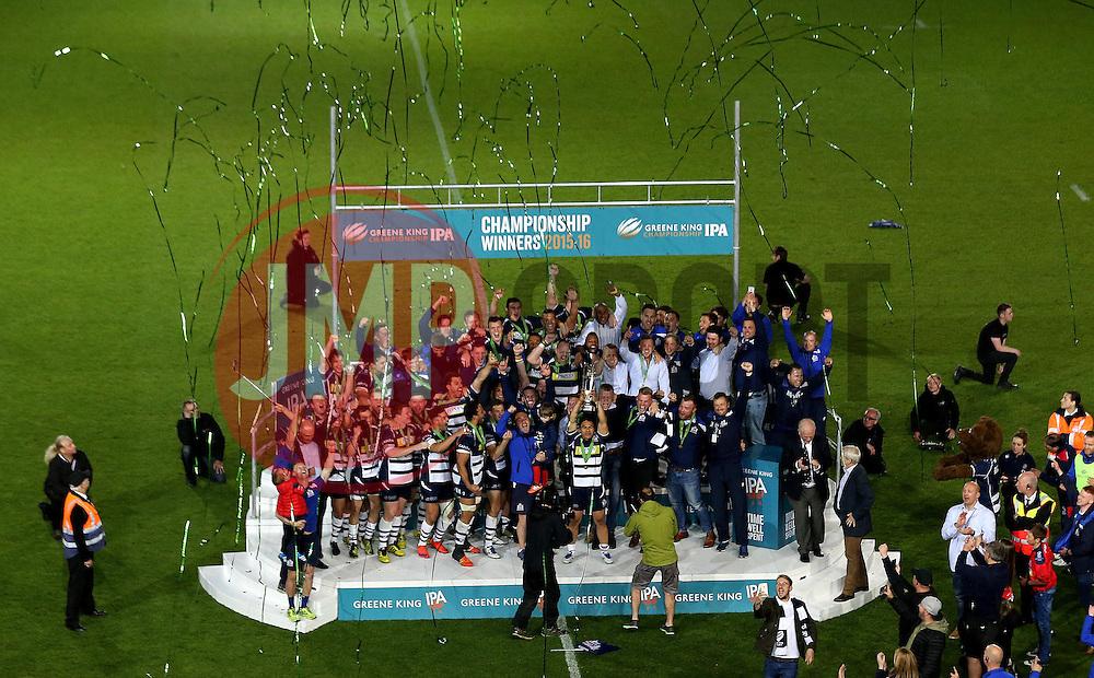 Bristol Rugby celebrate winning the Greene King IPA Championship Play Off FINAL by lifting the trophy - Mandatory byline: Robbie Stephenson/JMP - 25/05/2016 - RUGBY UNION - Ashton Gate Stadium - Bristol, England - Bristol Rugby v Doncaster Knights - Greene King IPA Championship Play Off FINAL 2nd Leg.