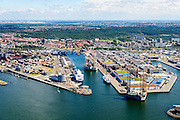Nederland, Noord-Holland, IJmuiden, 01-08-2016; overzicht haven van IJmuiden. <br /> Overview port of IJmuiden<br /> luchtfoto (toeslag op standard tarieven);<br /> aerial photo (additional fee required);<br /> copyright foto/photo Siebe Swart