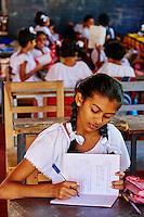 Sri Lanka, province du centre, Kandy, ville classée patrimoine mondial de l'UNESCO, école près du Temple de la Dent, écoliers // Sri Lanka, Ceylon, North Central Province, Kandy, UNESCO World Heritage city, Sunday school