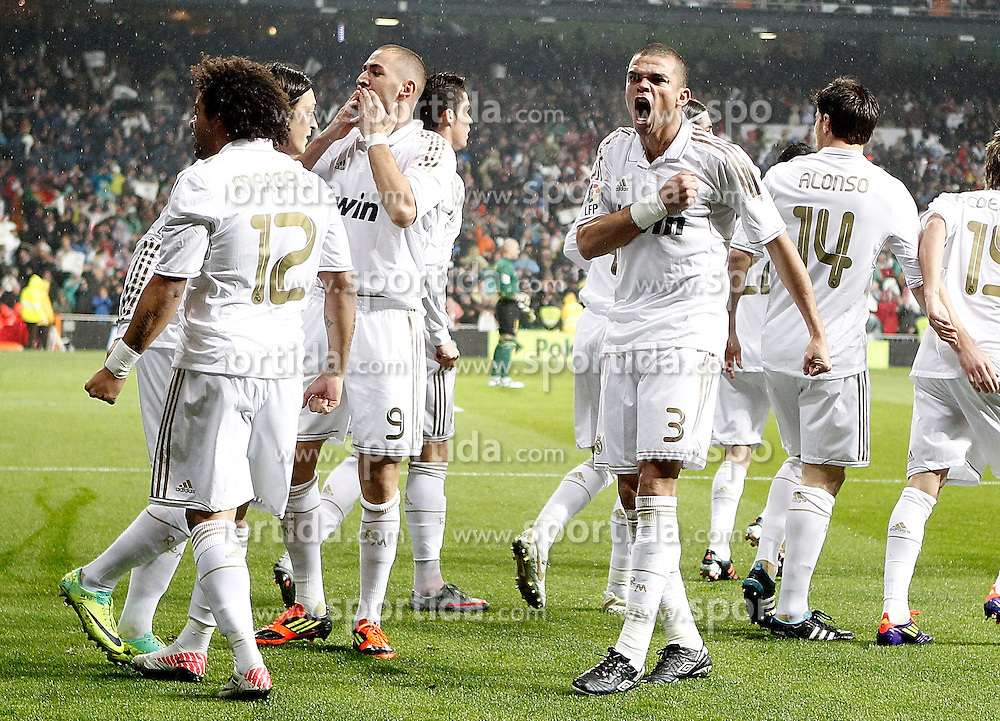 10.12.2011, Santiago Bernabeu Stadion, Madrid, ESP, Primera Division, Real Madrid vs FC Barcelona, 15. Spieltag, im Bild Real Madrid's Marcelo. Pepe and Karim Benzema celebrate with other players // during the football match of spanish 'primera divison' league, 15th round, between Real Madrid and FC Barcelona at Santiago Bernabeu stadium, Madrid, Spain on 2011/12/10. EXPA Pictures © 2011, PhotoCredit: EXPA/ Alterphotos/ Alvaro Hernandez..***** ATTENTION - OUT OF ESP and SUI *****