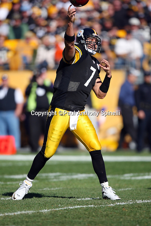 Pittsburgh Steelers quarterback Ben Roethlisberger (7) throws a pass during the NFL football game against the Minnesota Vikings, October 25, 2009 in Pittsburgh, Pennsylvania. The Steelers won the game 27-17. (©Paul Anthony Spinelli)