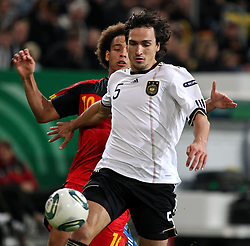 11.10.2011, Esprit Arena, Duesseldorf, GER, UEFA EURO 2012 Qualifikation, Deutschland (GER) vs Belgien (BEL), im Bild..Mats Hummels (GER) gegen Axel Witsel (Belgien)..// during the UEFA Euro 2012 qualifying round Germany vs Belgium  at Esprit Arena, Duesseldorf 2011-10-11 EXPA Pictures © 2011, PhotoCredit: EXPA/ nph/  Hessland       ****** out of GER / CRO  / BEL ******