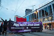 Frankfurt | 25 February 2017<br /> <br /> Am Samstag (25.02.2017) nahmen etwa 1000 Menschen in Frankfurt am Main an einer linksradikalen Demonstration unter dem Motto &quot;Make Racists Afraid Again&quot; Teil. Die Demo begann am S&uuml;dbahnhof in Frankfurt-Sachsenhausen und endete am Willy-Brandt-Platz. Organisiert wurde der Aufmarsch von dem B&uuml;ndnis &quot;Antifa United Frankfurt&quot;.<br /> Hier: Die Demo ist auf dem Willy-Brandt-Platz angekommen, im Hintergrund das Schauspiel Frankfurt/Oper.<br /> <br /> photo &copy; peter-juelich.com