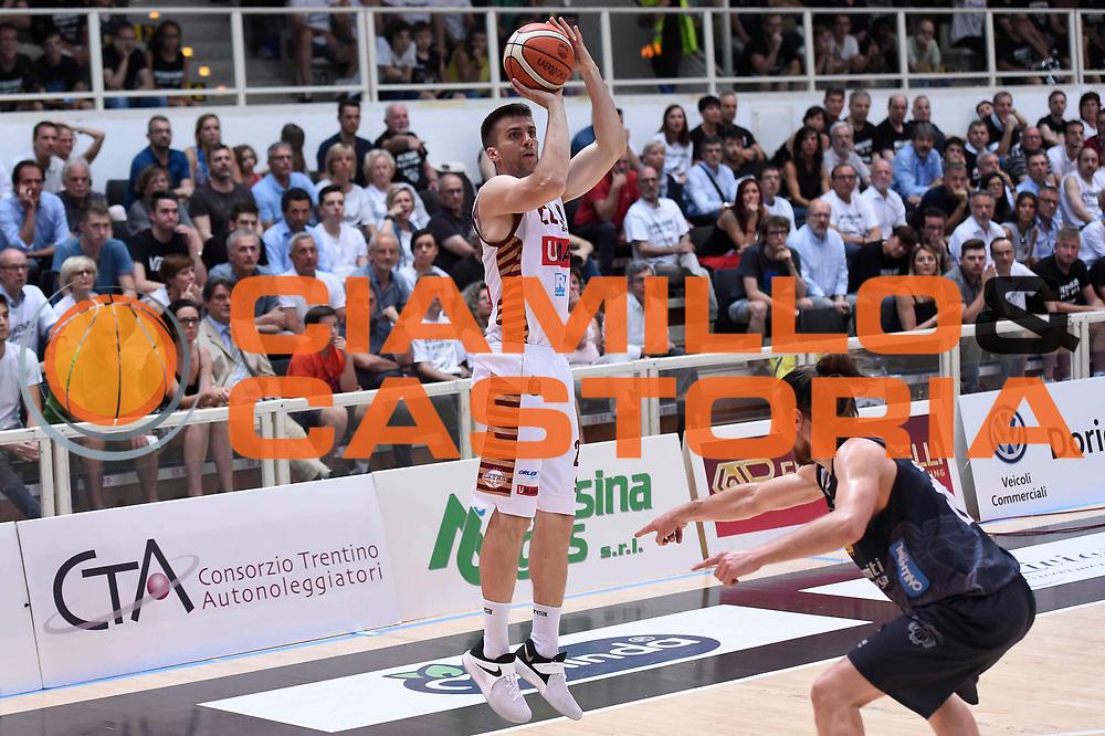 Jeff Viggiano<br /> Dolomiti Energia Aquila Basket Trento - Umana Reyer Venezia<br /> Lega Basket Serie A 2016/2017<br /> Playoff, finale gara 3<br /> Trento, 14/06/2017<br /> Foto Ciamillo-Castoria