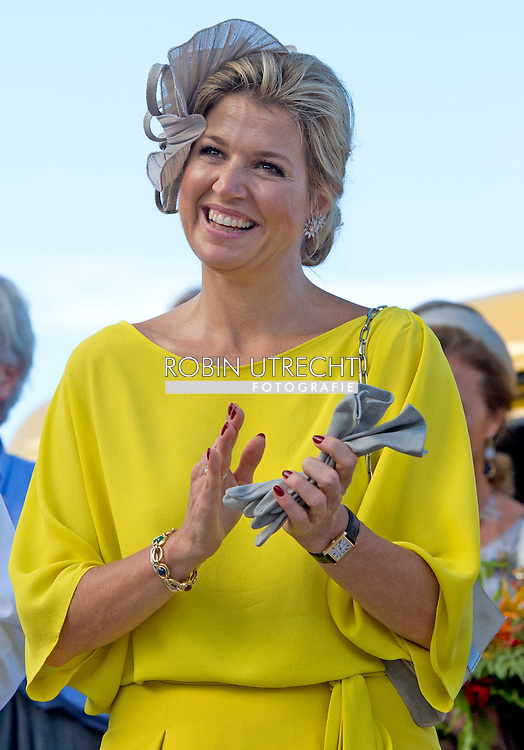 14-11-2013 SABA -  The departure of the Dutch King Willem Alexander en Queen Maxima at SABA . They will visit all the 6 Dutch Islands the next 10 days . The royal couple will visit the Caribbean . COPYRIGHT ROBIN UTRECHT