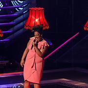 NLD/Hilversum/20131107- The Voice of Holland 1e live uitzending, optreden Yuli Minguel