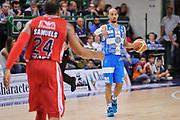 DESCRIZIONE : Campionato 2014/15 Serie A Beko Semifinale Playoff Gara4 Dinamo Banco di Sardegna Sassari - Olimpia EA7 Emporio Armani Milano<br /> GIOCATORE : David Logan<br /> CATEGORIA : Palleggio Schema Mani<br /> SQUADRA : Dinamo Banco di Sardegna Sassari<br /> EVENTO : LegaBasket Serie A Beko 2014/2015 Playoff<br /> GARA : Dinamo Banco di Sardegna Sassari - Olimpia EA7 Emporio Armani Milano Gara4<br /> DATA : 04/06/2015<br /> SPORT : Pallacanestro <br /> AUTORE : Agenzia Ciamillo-Castoria/L.Canu<br /> Galleria : LegaBasket Serie A Beko 2014/2015