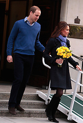 (UK RIGHTS ONLY)  Catherine, Duchess of Cambridge and Prince William, Duke of Cambridge leave the King Edward VII hospital where she has been treated for hyperemesis gravidarum, extreme morning sickness at King Edward VII Hospital in London, UK. 06/12/2012<br />BYLINE MUST READ : KG/EAGLEPRESS/GOTCHA IMAGES<br /><br />Copyright by © Gotcha Images Ltd. All rights reserved.<br />Usage of this image is conditional upon the acceptance <br />of Gotcha Images Ltd, terms and conditions available at<br />www.gotchaimages.com