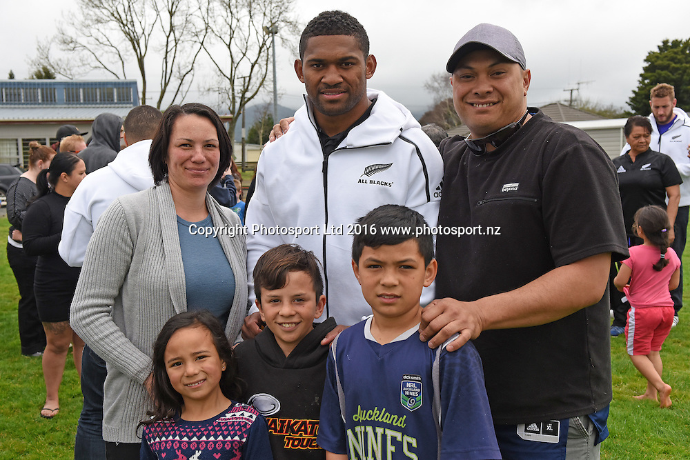 Waisake Naholo with fans during the All Blacks to the Nation at Ngaruawahia Rugby Sports Club, Waikato, New Zealand on the 4th September 2016. Copyright photo: Jeremy / www.photosport.nz