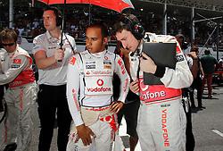 Motorsports / Formula 1: World Championship 2010, GP of Brazil, 02 Lewis Hamilton (GBR, Vodafone McLaren Mercedes), Andy Latham (Vodafone McLaren Mercedes),