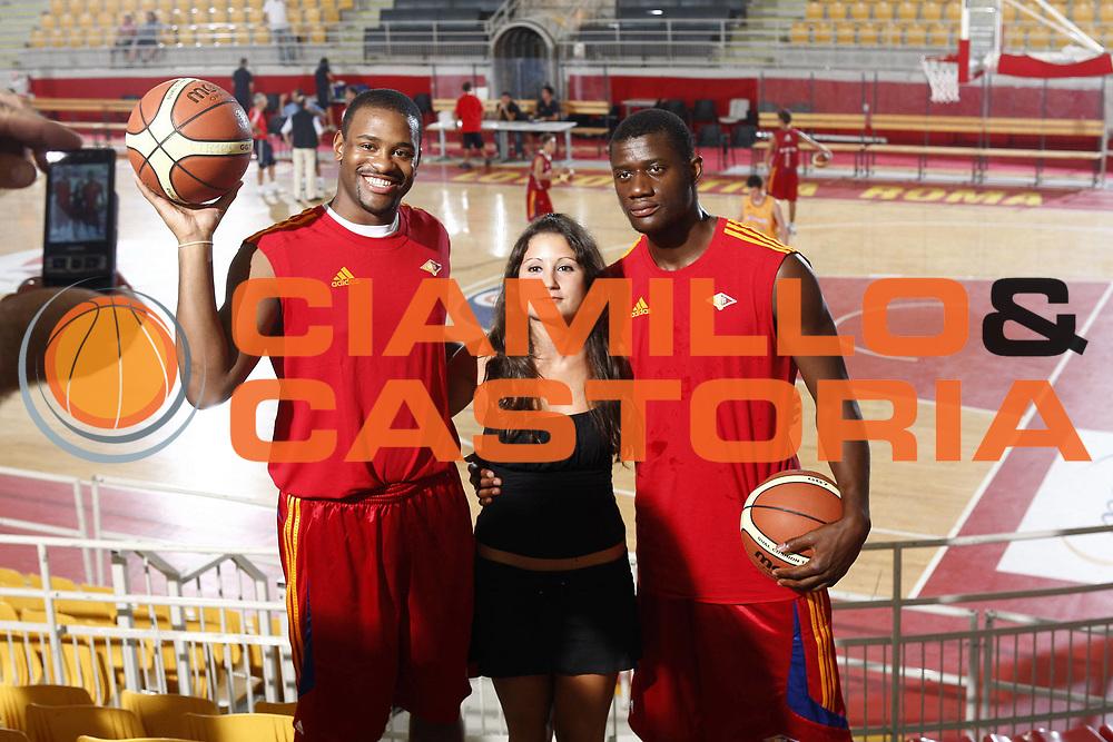 DESCRIZIONE : Roma Lega A 2009-10 Basket Lottomatica Virtus Roma Visite mediche e primo raduno<br /> GIOCATORE : Ricky Minard Herve Toure<br /> SQUADRA : Lottomatica Virtus Roma<br /> EVENTO : Campionato Lega A 2009-2010 <br /> GARA : <br /> DATA : 24/08/2009<br /> CATEGORIA : Ritratto Presentazione <br /> SPORT : Pallacanestro <br /> AUTORE : Agenzia Ciamillo-Castoria/E.Castoria<br /> Galleria : Lega Basket A 2009-2010 <br /> Fotonotizia : Roma Lega A 2009-10 Basket Lottomatica Virtus Roma Visite mediche e primo raduno<br /> Predefinita :