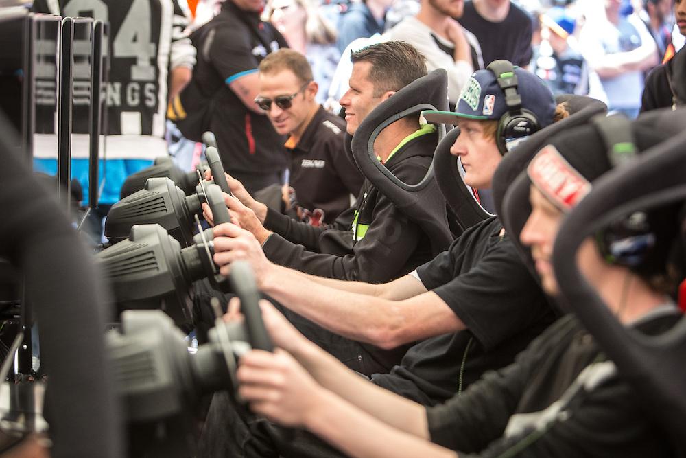 V8 Super car fan day. Garth Tander. 3 November 2016.  Photo:Gareth Cooke/Subzero Images