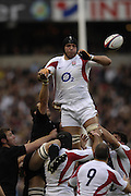Twickenham. GREAT BRITAIN, Ben KAY, Direct the line out ball, during the, 2006 Investec Challenge, game between, England  and New Zealand [All Blacks], on Sun., 05/11/2006, played at the Twickenham Stadium, England. Photo, Peter Spurrier/Intersport-images].....   [Mandatory Credit, Peter Spurier/ Intersport Images].