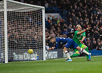 Football - 2019 / 2020 Premier League - Chelsea vs. Crystal Palace<br /> <br /> Christian Pulisic (Chelsea FC) stoops in to head home his teams second goal at Stamford Bridge <br /> <br /> COLORSPORT/DANIEL BEARHAM
