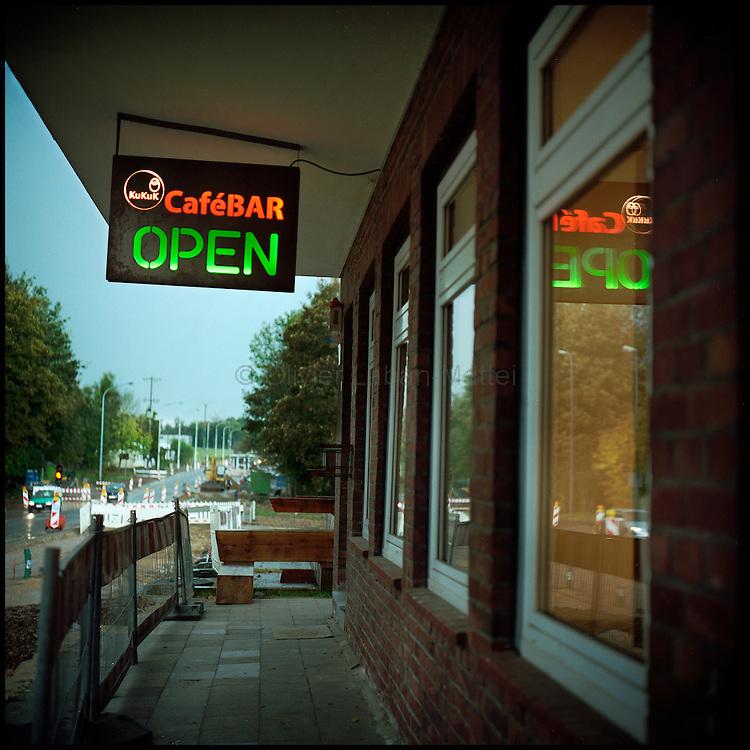 Le 18  octobre 2011, frontière Allemagne / Belgique, près d'Aix La Chapelle, RN 68. Vue de l'extérieur de l'ancien poste frontière allemand de Köpfchen transformé en bar et salle culturelle.