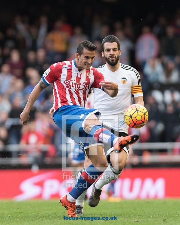 Carmona of Real Sporting de Gij&oacute;n during the La Liga match at Mestalla, Valencia<br /> Picture by Maria Jose Segovia/Focus Images Ltd +34 660052291<br /> 31/01/2016