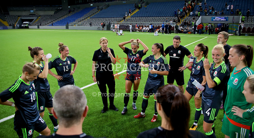 ASTANA, KAZAKHSTAN - Sunday, September 17, 2017: Wales' manager Jayne Ludlow speaks to het players after the 1-0 victory over Kazakhstan during the FIFA Women's World Cup 2019 Qualifying Round Group 1 match between Kazakhstan and Wales at the Astana Arena. (Pic by David Rawcliffe/Propaganda)