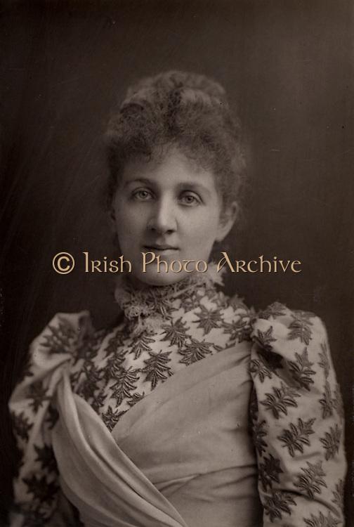 Liza Lehmann (Elizabetta Nina Mary Frederika Lehmann - 1862-1918) English soprano and composer.  From 'The Cabinet Portrait Gallery' (London, 1890-1894).