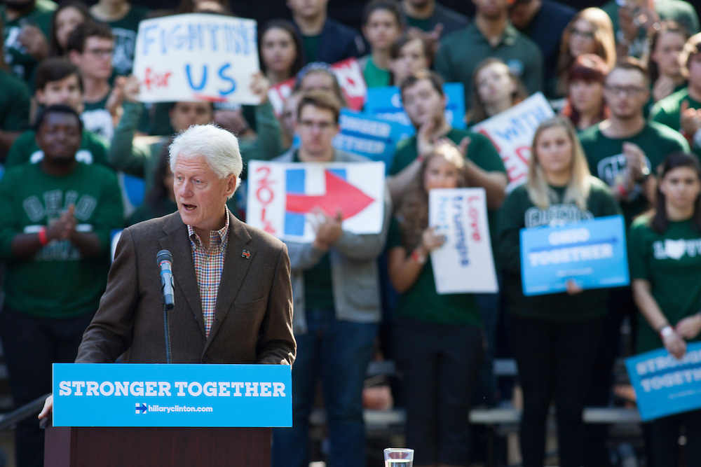 Former President Bill Clinton campaigns for Hillary Clinton on College Green on Tuesday, October 4, 2016. © Ohio University / Photo by Kaitlin Owens