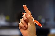 Nederland, Hardenberg, 19-12-2007..VMBO school De Nieuwe Veste. Een leerling steekt haar vinger in de lucht om de attentie van de leraar te krijgen...Foto: Flip Franssen/Hollandse Hoogte