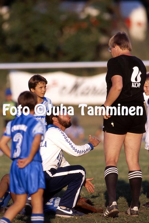 12.7.1988 - Helsinki Cup 1988.<br /> K&auml;pyl&auml;n Ravirata, Helsinki.<br /> Boys E-11, Universitario de Guayana (Venezuela) - Riihim&auml;en Nappulaliiga.