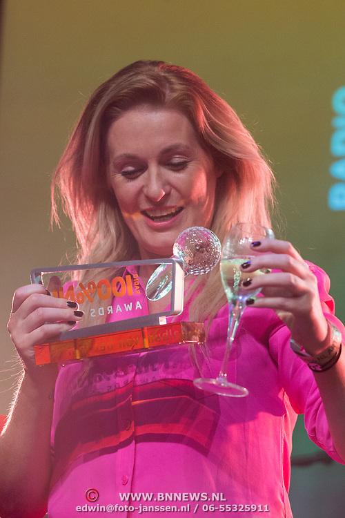 NLD/Uitgeest/20170207 - Uitreiking 100% NL Awards 2016, Miss Montreal, Sanne Hansen wint de categorie album van het jaar