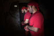 Due Battenti nelle buie viuzze dell'antico borgo di Verbicaro