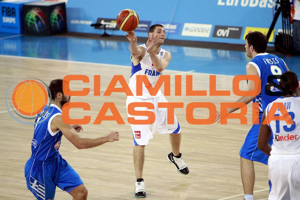DESCRIZIONE : Bydgoszcz Poland Polonia Eurobasket Men 2009 Qualifying Round Francia France Grecia Greece<br /> GIOCATORE : Antoine Diot<br /> SQUADRA : Francia France<br /> EVENTO : Eurobasket Men 2009<br /> GARA : Francia France Grecia Greece<br /> DATA : 15/09/2009 <br /> CATEGORIA :<br /> SPORT : Pallacanestro <br /> AUTORE : Agenzia Ciamillo-Castoria/H.Bellenger<br /> Galleria : Eurobasket Men 2009 <br /> Fotonotizia : Bydgoszcz Poland Polonia Eurobasket Men 2009 Qualifying Round Francia France Grecia Greece<br /> Predefinita :