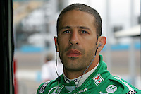 Tony Kanaan at the Phoenix International Raceway, XM Satellite Radio Indy 200, March 19, 2005