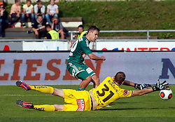 31.05.2015, Stadion Wolfsberg, Wolfsberg, AUT, 1. FBL, RZ Pellets WAC vs SK Rapid Wien, 35. Runde, im Bild v.l. Robert Beric (SK Rapid Wien) und Alexander Kofler (RZ Pellets WAC) // during the Austrian Football Bundesliga 35th Round match between RZ Pellets WAC and SK Rapid Vienna at the Stadium Wolfsberg in Wolfsberg Austria on 2015/05/31, EXPA Pictures © 2015, PhotoCredit: EXPA/ Wolfgang Jannach