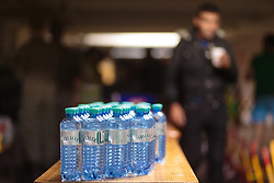 03.10.2015, Grenzübergang, Salzburg - Freilassing, GER, Flüchtlingskrise in der EU, im Bild Trinkwasser Flaschen für die Flüchltinge // Bottled water for the refugees. Europe is dealing with its greatest influx of migrants and asylum seekers since World War II as immigrants fleeing war and poverty in the Middle East, Afghanistan and Africa try to reach Germany and other Western European countries, German - Austrian Border, Salzburg on 2015/10/03. EXPA Pictures © 2015, PhotoCredit: EXPA/ JFK
