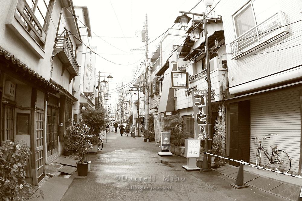 Mar 6, 2006; Tokyo, JPN; Small street in Asakusa..Photo credit: Darrell Miho