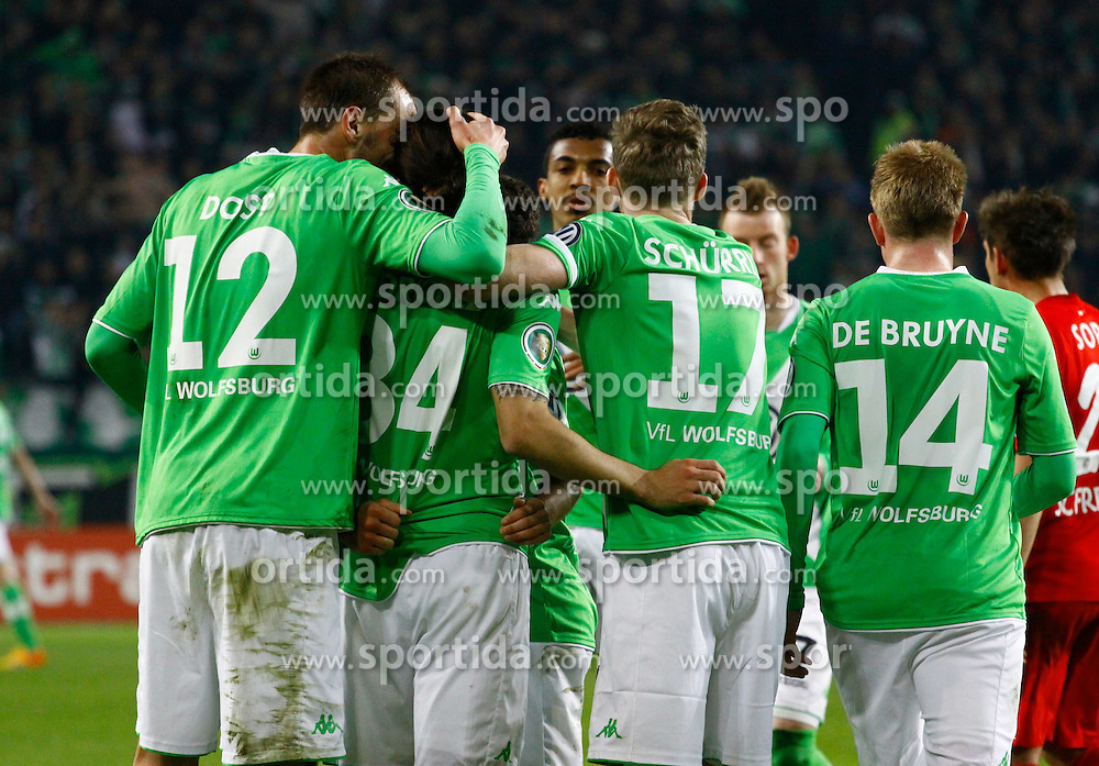07.04.2015, Volkswagen Arena, Wolfsburg, GER, DFB Pokal, VfL Wolfsburg vs SC Freiburg, Viertelfinale, im Bild Wolfsburger Freude nach dem 1:0 durch Ricardo Rodriguez (#34, VfL Wolfsburg) // SPO during German DFB Pokal quarter final match between VfL Wolfsburg and SC Freiburgat the Volkswagen Arena in Wolfsburg, Germany on 2015/04/07. EXPA Pictures &copy; 2015, PhotoCredit: EXPA/ Eibner-Pressefoto/ Hundt<br /> <br /> *****ATTENTION - OUT of GER*****