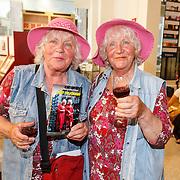 NLD/Amsterdam/20150612 - Boekpresentatie Thijs Römer en bladpresentatie Wendy van Dijk, tweelingzussen Martine en Louise Fokkens