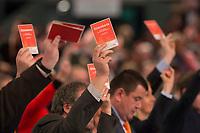 09 DEC 2014, KOELN/GERMANY:<br /> Abstimmung waehrend dem CDU Bundesparteitag, Messe Koeln<br /> IMAGE: 20141209-01-001<br /> KEYWORDS: Party Congress, Stimmkarten,