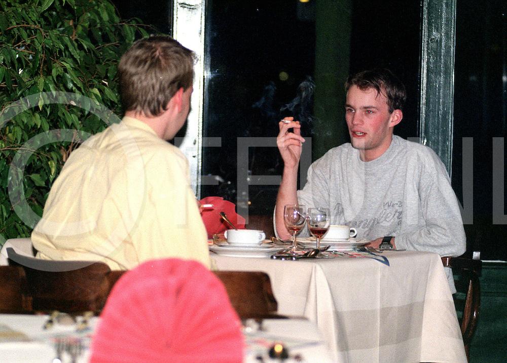 Fotografie Uijlenbroek©1999/olga van kampen.990111 dalfsen ned.een eeuw lang tafelen