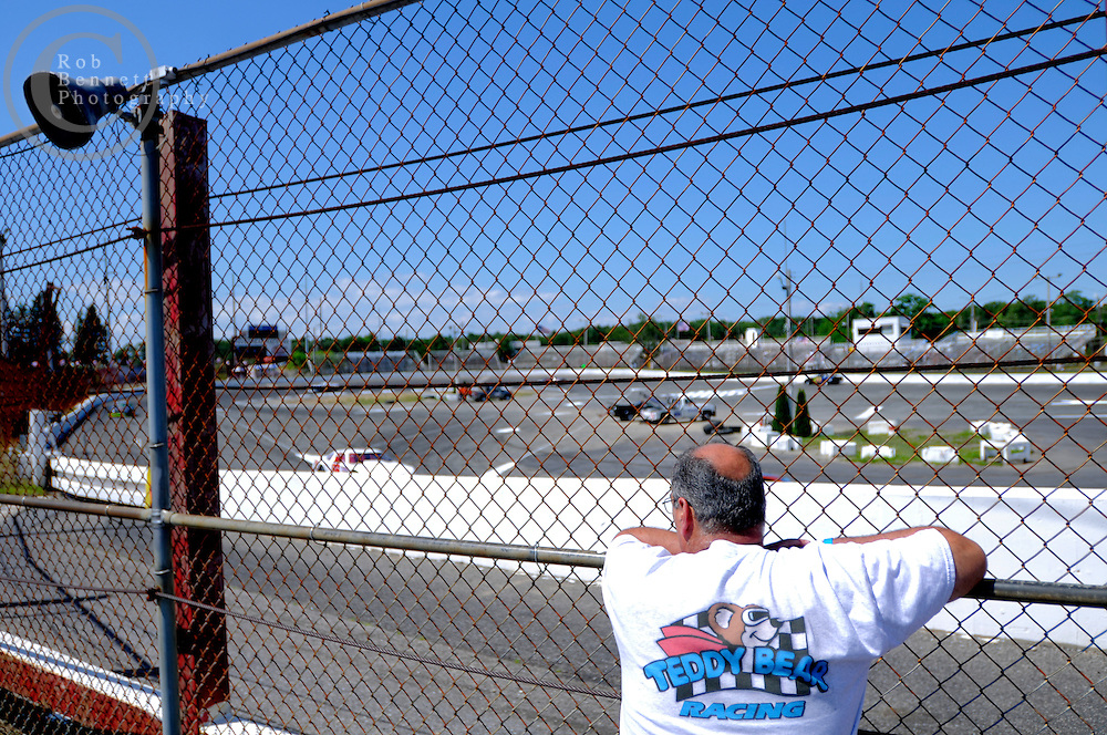 Eastern Long Island, NY: Sat July 04, 2009: .Street Address: Riverhead Raceway- one mile east of the last exit on the Long Island Expressway (495) at exit 73. Riverhead, NY, United States..Dumicich family, family dynasty races at Riverhead.---.Rob Bennett for The New York Times