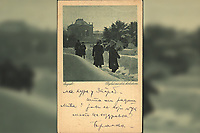 "Zagreb : Pogled na drž. kolodvor. <br /> <br /> Impresum[Koprivnica] : [Naklada Vinka Vošickog, Knjižara [1920].<br /> Materijalni opis1 razglednica : tisak ; 14 x 9 cm.<br /> NakladnikNakladna knjižara Vinka Vošickog<br /> Mjesto izdavanjaKoprivnica<br /> Vrstavizualna građa • razglednice<br /> ZbirkaGrafička zbirka NSK • Zbirka razglednica<br /> Formatimage/jpeg<br /> PredmetZagreb –– Trg kralja Tomislava<br /> SignaturaRZG-TOM-43<br /> Obuhvat(vremenski)20. stoljeće<br /> NapomenaRazglednica je putovala 1920. godine. • Razglednica je tiskana u sklopu edicije ""Jugoslavenski krajevi"" koja je izlazila tijekom 1920-ih i 1930-ih godina.<br /> PravaJavno dobro<br /> Identifikatori000953689<br /> NBN.HRNBN: urn:nbn:hr:238:271559 <br /> <br /> Izvor: Digitalne zbirke Nacionalne i sveučilišne knjižnice u Zagrebu"