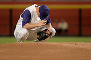 PHOENIX, AZ - AUGUST 31:  Zack Greinke #21 of the Arizona Diamondbacks prepares on the pitching mound for the MLB game against the Los Angeles Dodgers at Chase Field on August 31, 2017 in Phoenix, Arizona.  (Photo by Jennifer Stewart/Getty Images)