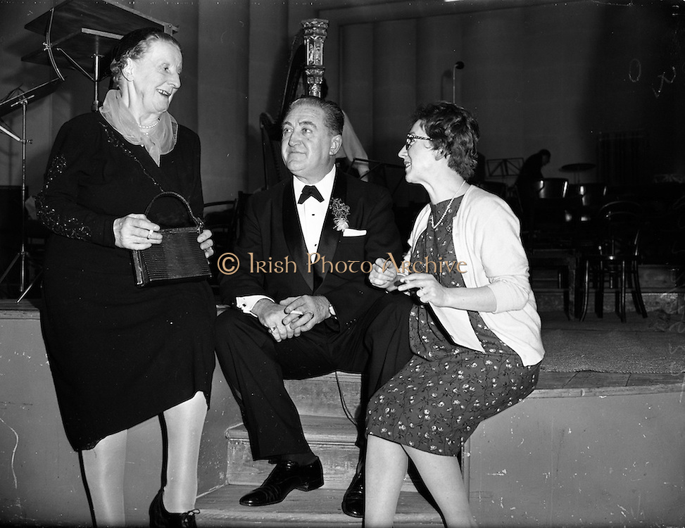 16/03/1960<br /> 03/16/1960<br /> 16 March 1960<br /> Radio Show for America in a association with Schaefer Beer, at Phoenix Hall Dublin.<br /> (l-r): Maureen Delany, Abbey Actress, Singer  John Feeney and Maureen Potter.