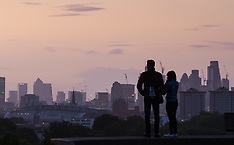 2017-09-11 London sunrise seen from Primrose Hill.