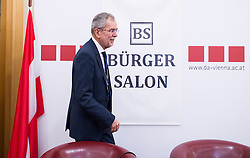 "11.03.2016, Diplomatische Akademie, Wien, AUT, Bürger Salon Podiumsdiskussion zur Präsidentschaftswahl 2016 mit dem Titel ""Was sind meine Ziele für das Amt des Bundespräsidenten?"", im Bild Grünen-Präsidentschaftskandidat Alexander Van der Bellen // Candidate for Presidential Elections Alexander Van der Bellen during an open forum according to austrian presidential elections at Diplomatic Academy in Vienna, Austria on 2016/03/11, EXPA Pictures © 2016, PhotoCredit: EXPA/ Michael Gruber"
