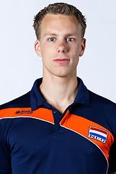 20150506 NED: Selectie Nederlands volleybal team mannen, Arnhem<br />Op Papendal werd het Nederlands team volleybal seizoen 2015-2016 gepresenteerd / Arne Hendriks<br />©2015-FotoHoogendoorn.nl / Pim Waslander