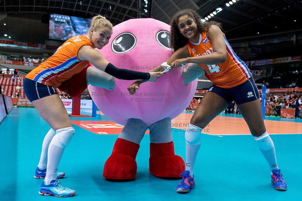 18-05-2016 JAP: OKT Nederland - Dominicaanse Republiek, Tokio<br /> Nederland is weer een stap dichterbij kwalificatie voor de Olympische Spelen. Dit dankzij een 3-0 overwinning op de Dominicaanse Republiek / Kirsten Knip #1, Celeste Plak #4